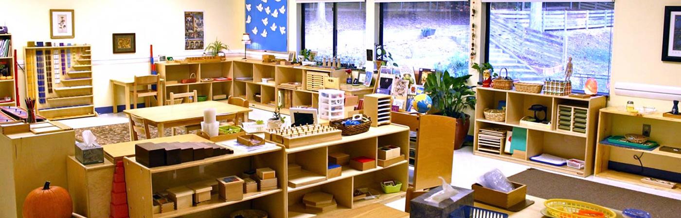 Bàn giao phòng học cụ cho lớp đào tạo giáo viên Montessori AMI